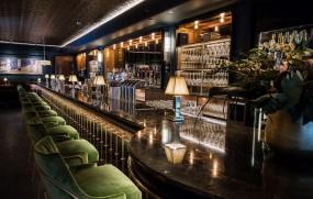 Bennys Hotel mit neuer Bar